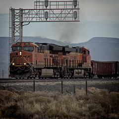 R-Railfan_1172017-236-Edit.jpg (Photo Rob2) Tags: mohave roadnames arizona locomotive tier4 diesel transportation bnsf city trains unitedstates kingman county states