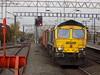 66585 at Nuneaton Trent Valley (simonjohn4) Tags: nuneatonstation trentvalley class66 66585 freightliners crewebasfordhall southampton