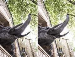 Wire Elephant qt the Tower of London (Teddy Alfrey) Tags: 3d stereo crosseyed