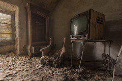 L'attesa (Lo.Re.79) Tags: abandoned castle chair decay exploration forgotten italy rotten rottenplaces television urban urbex