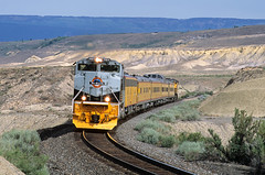 North Fork varnish (Moffat Road) Tags: unionpacific up 1989 riograndeheritage heritage passengertrain ols operationlifesaver payne colorado train upnorthforksubdivision emd sd70ace co