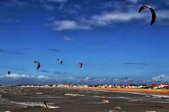 Kite surfing à Châtelaillon-Plage (jjcordier) Tags: kitesurf sport châtelaillonplage poitoucharentes voile