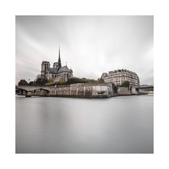 Cathédrale Notre-Dame de Paris (ArztG.|Photo) Tags: cathédralenotredame notredame paris2017 paris square long exposure colour seine fine art rain yup arztg|photo