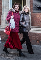 Out With Mum (Bone Setter) Tags: mum mother daughter walking bridgnorth street candid