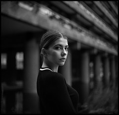 Jess III (The Paul Reid) Tags: kiev 60 volna ilforddelta400 xtol thepaulreid portrait naturallight 6x6 filmisnotdead girl