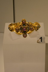 Rome, Italy - Villa Giulia (Etruscan Museum) - Jewelry (2) (jrozwado) Tags: europe italy italia rome roma villagiulia museum archaeology etruscan jewelry gold