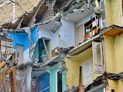 La vida de los otros (Micheo) Tags: demolition demolicion ruinas casas vidas habitaciones rooms pena tristeza
