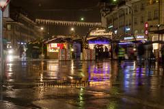 Bern by night (o_schopfer) Tags: noël bokeh marché market météo nightshot nuit photodenuit pluie rain