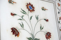 Magic marble (Tim Brown's Pictures) Tags: india olddelhi delhi travel redfort delhifort mughalempire moghulart shahjahan marble inlay flower