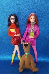 Scooby Dooby Doo 💙 (Lo_zio87_Barbie Collector) Tags: lea kri kristen scooby doo maledollcollector asiandoll redhead velma daphne geek chic 2017