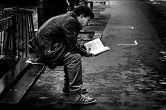 Page 114... (vedebe) Tags: noiretblanc netb nb bw monochrome humain people banc ville city rue street urbain