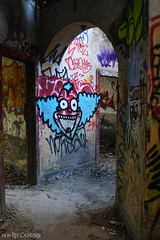 Fear the clown (Red Cathedral uses albums) Tags: redcathedral aztektv sony alpha slt mkii sonyalpha a77ii a77 dslr sonyslta77ii translucentmirrortechnology wanderlust digitalnomad streetart urbanart contemporaryart graffiti urbex hiking protest activism alittlebitofcommonsenseisagoodthing travellingphotographer travel fort chartreuse urbandecay liege liège luik luttich eventcoverage streetphotography cosplay larp livinghistory it simpsons crusty clown