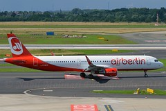 Air Berlin D-ABCR Airbus A321-211 Sharklets cn/6719 rrg OE-LCR Niki 30. Oct 2017 @ EDDL / DUS 26-06-2016 (Nabil Molinari Photography) Tags: air berlin dabcr airbus a321211 sharklets cn6719 rrg oelcr niki 30 oct 2017 eddl dus 26062016