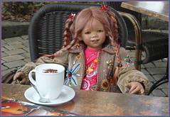Tivi ... einen schönen guten Morgen ... (Kindergartenkinder) Tags: kindergartenkinder annette himstedt dolls tivi hofladen kürbis