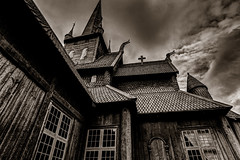 Stavekirk-Lom,-Norway (thilfrey) Tags: stabkirche stavekirk stave church kirche norwegen norway lom building blackandwhite wood clouds hdr