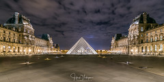 Louvre, Paris [Explored 23-11-2017] (Henk Verheyen) Tags: parijs paris autumn city herfst stad louvre night nightphoto nacht nachtfotografie plein