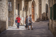 Centro storico di Lecce (cpphotofinish) Tags: centro storico di puglia apulia centrostorico bari itali italy canon cpphotofinish carstenpedersen canondslr canon5dmk3 square water weather eos5dmk3 tourist yellow usm image italia outdoor outside ocean photo panoramic panorama sky sunset dslr dark foto farger harbour july light landscape canonredlable canonef color canonmkiii clouds blue bluelight mklll carst1 beach duomo citywall night gallipoli ef1740mmf4lusm