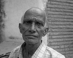 Pentax ME 28mm 2.8 Ilford HP5+ India eyes flickr (shakmati) Tags: black white portrait india udaipur pentax me 28mm 28 ilford hp5 400 iso bw portret 35mm 135mm film travel