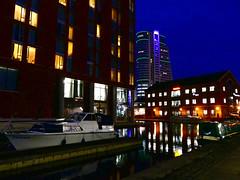 Leeds, 1 December 2017. Leeds Dock/Granary Wharf (Powderpuff GP) Tags: architecture windows nightphotography lighting reflections barge dock canal boat leeds