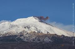 Emissione di cenere al cratere di sudest dell'Etna (Fabrizio Zuccarello) Tags: etna sicily sicilia volcanoes vulcani italy italia nature natura geology geologia