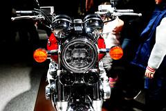 reflection, Osaka Motor Show 2017 (jtabn99) Tags: bike honda head light reflection 20171210 nanko suminoe osaka japan nippon nihon