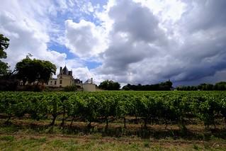 Ciel d'orage sur le Château de Brézé