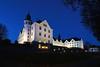 Schloss Plön von weiter oben (Lilongwe2007) Tags: plön schloss deutschland schleswig holstein architektur blaue stunde abend dämmerung