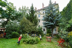 """Häuser kaufen, damit sie niemandem gehören – Wohnprojekte in Potsdam • <a style=""""font-size:0.8em;"""" href=""""http://www.flickr.com/photos/130033842@N04/37676218424/"""" target=""""_blank"""">View on Flickr</a>"""