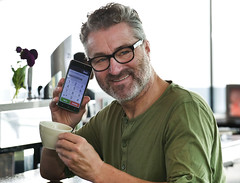 Emporia-Smart-2017-2416A (Markus Koepf) Tags: emporia handy senioren seniorenhandy telefon telekommunikation telefonieren