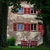 Maison du Parc - Saint-Brisson (Eric@focus) Tags: red chair viveza colorefexpro sharpenerpro pse2018 morvan shutter greatphotographers