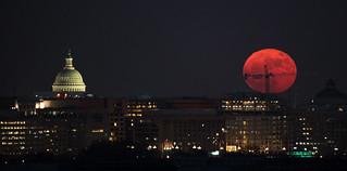 December Supermoon Rises Over Washington D.C.