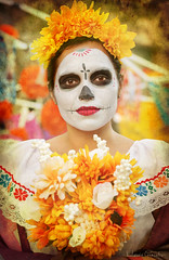 Noche de Altares 2017, Santa Ana 11.4.17 12 (Marcie Gonzalez) Tags: ca socal so cal orange county southern festival celebration festivals celebrations day dead dia de los muertos diadelosmuertos tradition traditional honor family friends noche altares nochedealtares night dance dancing festive fun annual event events mexico mexican altar costume costumes paint painted face skull skeleton 2017 dayofthedead dancer dancers north america cultural usa us marcie gonzalez marciegonzalez marciegonzalezphotography photography canon 2017nochedealtaressantaana nochedealtaressantaana altars calif california día