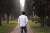 on his way (giuliacristini1) Tags: people friend man hombre uomo ragazzo boy guy look looking mirar mirando guardare vedere sgaurdo orizzonte horizon foto pic photo walk walking caminar camminare reflex canon canoneos1300d