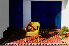 Un meritato riposo (meghimeg) Tags: 2017 portomaurizio porta door sedia chair ombra shadow sole sun colori colors piastrelle tiles