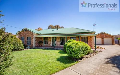22 Paraweena Pl, Eglinton NSW 2795