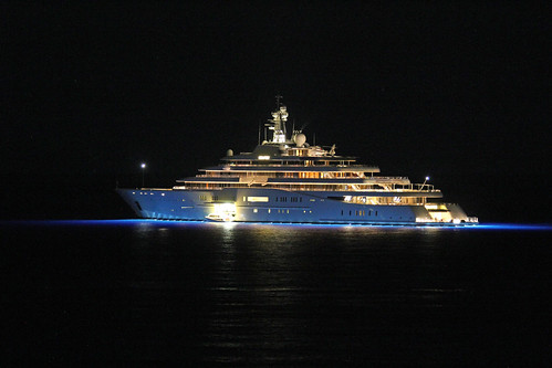 "The elegant yacht ""Eclipse"" of Mr. Abramovich by night"