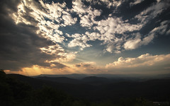 Blue Ridge Mountains Sunset - Shenandoah National Park (Virginia) (Andrea Moscato) Tags: andreamoscato america statiuniti usa unitedstates us view vivid vista overlook landscape paesaggio parco park panorama clouds nuvole sky cielo sunset tramonto dusk nature natura natural naturale national np nationalpark dark evening shadow ombre light luce ray sun mountain montagna appalachian blue orange yellow black