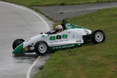 9g - Murphy spins out of contention (Boris1964) Tags: 2006 clubformulaford northwest anglesey