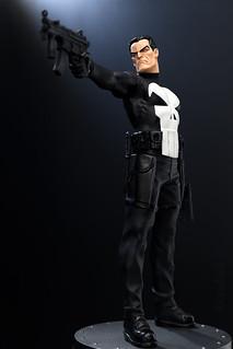 Punisher   Statue   Bowen Designs