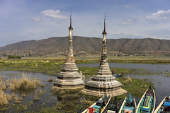 stupas taukhaung in water 2 (courregesg) Tags: birmanie myanmar burma inlé lake stupa bagan boudhisme people traditional historicalplace