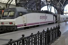 LOCOMOTORA 252-064-1 (RENFE) (Yeagov_Cat) Tags: 2017 barcelona catalunya locomotora renfe 2520641 estaciódefrança