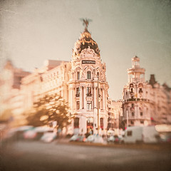 Madrid through the Lensbaby view (Ro Cafe) Tags: madrid city cityscape building architecture urban spain textured lensbaby sweet50 nikond600 blur bokeh