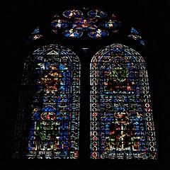 18 - Reims - Cathédrale Notre-Dame - Vitraux, Evêques (melina1965) Tags: reims marne grandest octobre october 2017 nikon d80 église églises church churches vitrail vitraux stainedglasswindow stainedglasswindows