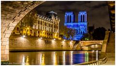 """""""Dame de Coeur"""" - Notre Dame de Paris (Stéphanie Deniaux - Photos) Tags: notredame cathedrale eglise church damedecoeur spectacle show lumiere couleur paris france canon canonfrance poselongue longexposure"""