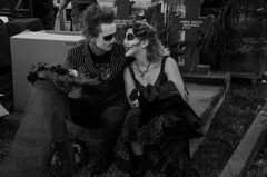 lovers (Purple Cow Pictures) Tags: diasdelosmuertos dayofthedead ladyofthedead hollywoodforever hollywoodforevercemetary portraits halloween streetphotography photography losangeles tradition