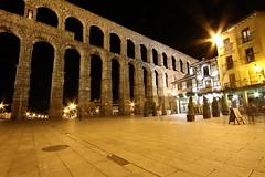 Acueducto de Segovia (Pepe Ortuño Laguia) Tags: nocturna noche acueducto roma segovia plaza meson candido luces