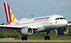 D-AKNR (AnDyMHoLdEn) Tags: germanwings lufthansagroup a319 egcc airport manchester manchesterairport 05r