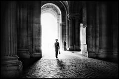 Entrée au Louvre * Paris (sistereden2) Tags: leicaq
