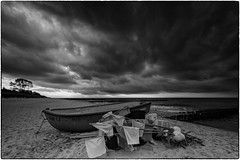 dark clouds are pulling up (ingrid.lowis) Tags: bw clouds baltic sea monochrom