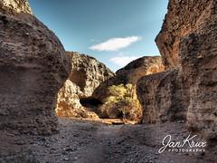 Sesriem Canyon (jan-krux photography - thx for 2 Mio+ views) Tags: sesriemcanyon sossusvlei namibia africa afrika nature natur desert wueste canyon schlucht steine gestein stone landscape landschafr olympus em1 omd mzuiko evening abend explore inexplore
